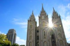 Tempel van de Kerk van Jesus Christ van laatstgenoemde-Dagheiligen met s stock foto's