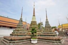 Tempel van Doende leunen Boedha in Bangkok royalty-vrije stock afbeelding
