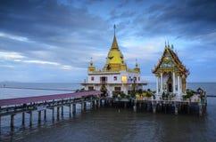 Tempel van gouden pagode Stock Fotografie