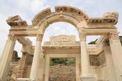 Tempel van Hadrian in Ephesus stock afbeeldingen