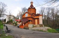 Tempel van Heilige Koninklijke Martelaren in het dorp van Volkonka Lazarevskydistrict, Sotchi, Rusland stock foto's