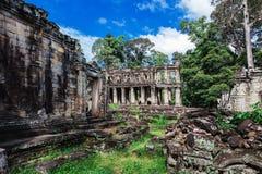tempel van ruïnes de oude Preah Khan stock foto's