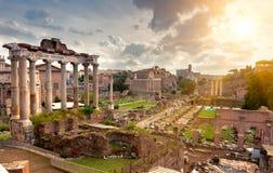Tempel van Saturn en Forum Romanum in Rome Royalty-vrije Stock Foto's