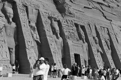 Tempel von Abu Simbel de Nefertari, Ägypten, im Oktober 2002 lizenzfreie stockfotos
