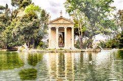 Tempel von Aesculapius im Landhaus Borghese, Rom Stockbilder