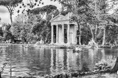 Tempel von Aesculapius im Landhaus Borghese, Rom Stockfotografie