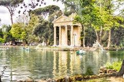Tempel von Aesculapius im Landhaus Borghese, Rom Lizenzfreies Stockfoto