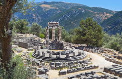 Tempel von Athene pronoia in Delphi Stockfotos
