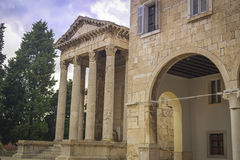 Tempel von Augustus in den Pula Stockfotografie