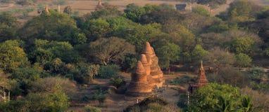Tempel von Bagan bei Sonnenaufgang Stockfoto