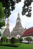 Tempel von Dämmerung: schöner Tempel nahe Chaophaya Stockfoto