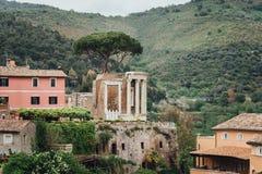 Tempel von Vesta, Tivoli, Lazio, Italien stockfotografie
