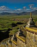 Tempel-Wand Stupas von Litang Sichuan China Stockfoto
