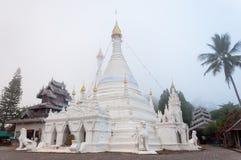 Tempel Wat Phra That Doi Kongs MU, Mae Hong Son, Thailand stockbilder