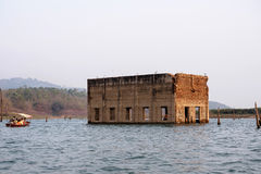 Tempel in water Royalty-vrije Stock Foto's