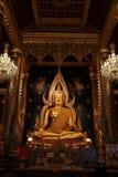 TempelBuddhastaty Thailand Arkivfoton