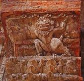 Tempeldetalj - Preah Ko, Cambodja arkivfoton