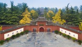 Tempelluoyang för vit häst porslin Fotografering för Bildbyråer