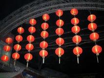 Tempelmässa av det traditionella kinesiska mån- nya året Arkivfoto
