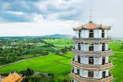 Tempelpagode in szenischem berühmtem des grünen Feldes Lizenzfreie Stockfotografie