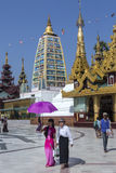 De Pagode van Shwedagon Complexe - Yangon - Myanmar Royalty-vrije Stock Foto's