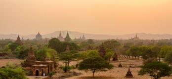 Tempels och solnedgång Royaltyfri Bild