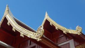 Tempeltak i Thailand WatPradhatchohar Arkivfoton