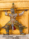 Tempelvakt i den kungliga slotten av Bangkok, Thailand Arkivfoton