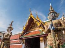 Tempelvakt i den kungliga slotten av Bangkok, Thailand Royaltyfria Foton