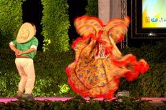 Temperamentny latynoski para taniec Fotografia Stock