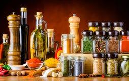 Tempero, especiarias, sementes e ingredientes do cozimento imagens de stock
