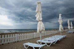 Tempesta alla spiaggia del mare Immagine Stock Libera da Diritti