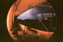 Tempesta in città tramite il fish-eye fotografia stock libera da diritti