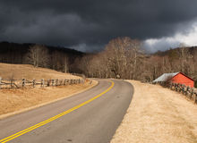 Tempesta d'avvicinamento entrante della strada Fotografie Stock Libere da Diritti