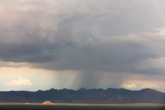 Tempesta della pioggia in montagne Fotografia Stock Libera da Diritti