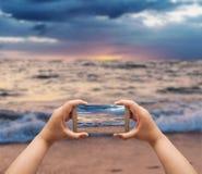 Tempesta della spiaggia e del mare Immagine Stock