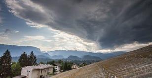 Tempesta di calore di estate sopra Lesce, Slovenia Fotografia Stock Libera da Diritti