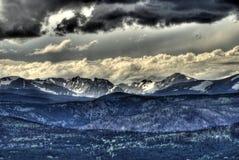 Tempesta di estate della montagna rocciosa Immagine Stock