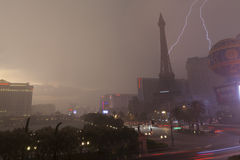 Tempesta di estate su Las Vegas Boulevard a Las Vegas, NV il 19 luglio, Fotografie Stock Libere da Diritti