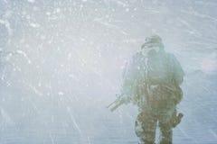 Tempesta di inverno del soldato di cavalleria Immagine Stock