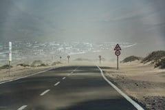 Tempesta di sabbia Calima - nuvola della sabbia soffiata dentro dal Sahara, Lanz Fotografia Stock