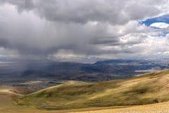 Tempesta di vista aerea della steppa delle montagne Fotografie Stock Libere da Diritti