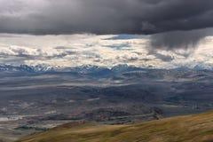Tempesta di vista aerea della steppa delle montagne Fotografia Stock