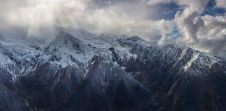 Tempesta nelle montagne Immagini Stock
