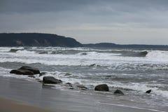 Tempesta sulla costa dell'oceano Fotografia Stock