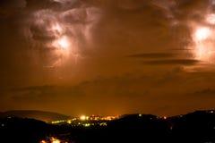 Tempestad de truenos Apennines de la noche Imagen de archivo libre de regalías