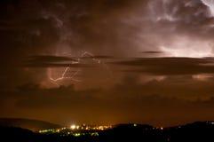 Tempestad de truenos Apennines de la noche Fotografía de archivo
