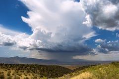 Tempestad de truenos distante en el horizonte imagen de archivo