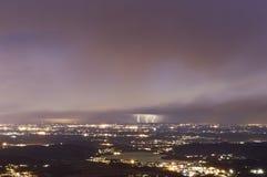 Tempestad de truenos en el horizonte Fotos de archivo