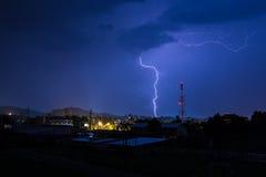 Tempestad de truenos en la noche fotografía de archivo